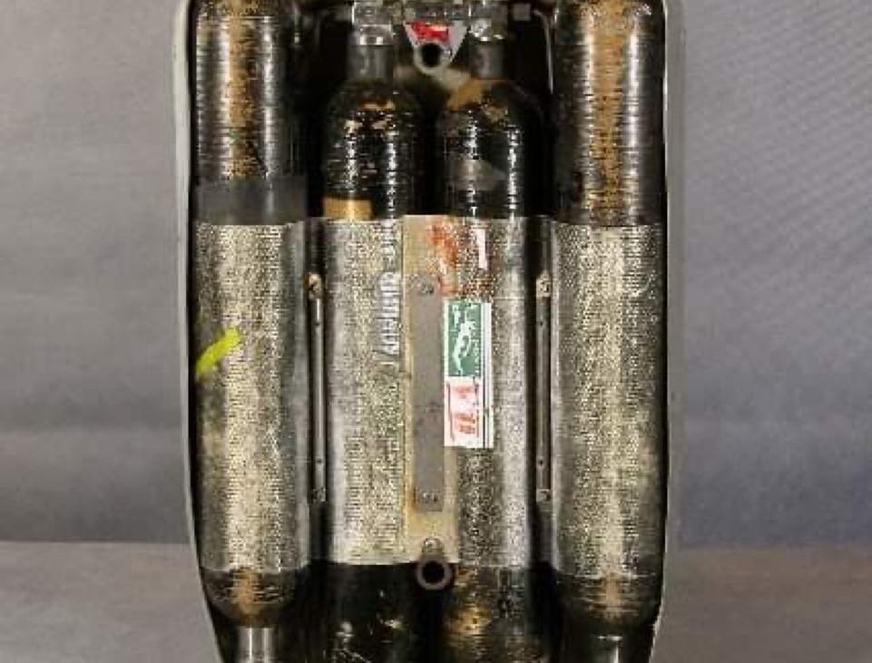 carénage COUSTEAU avec bouteilles titane.