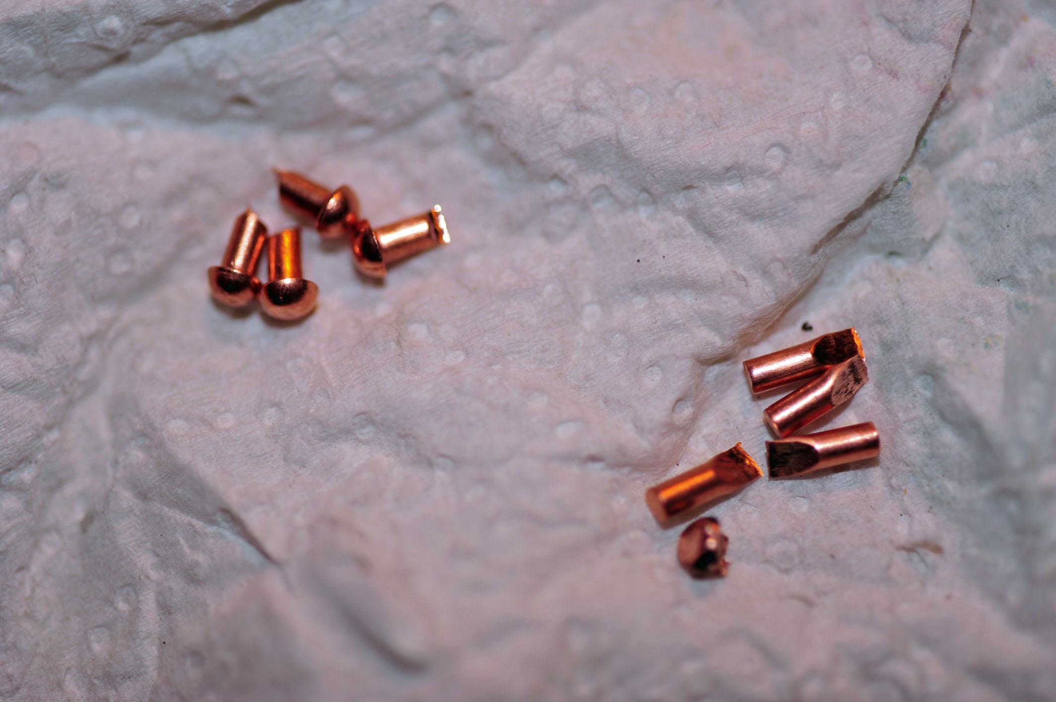 Rivets en cuivre à martellés