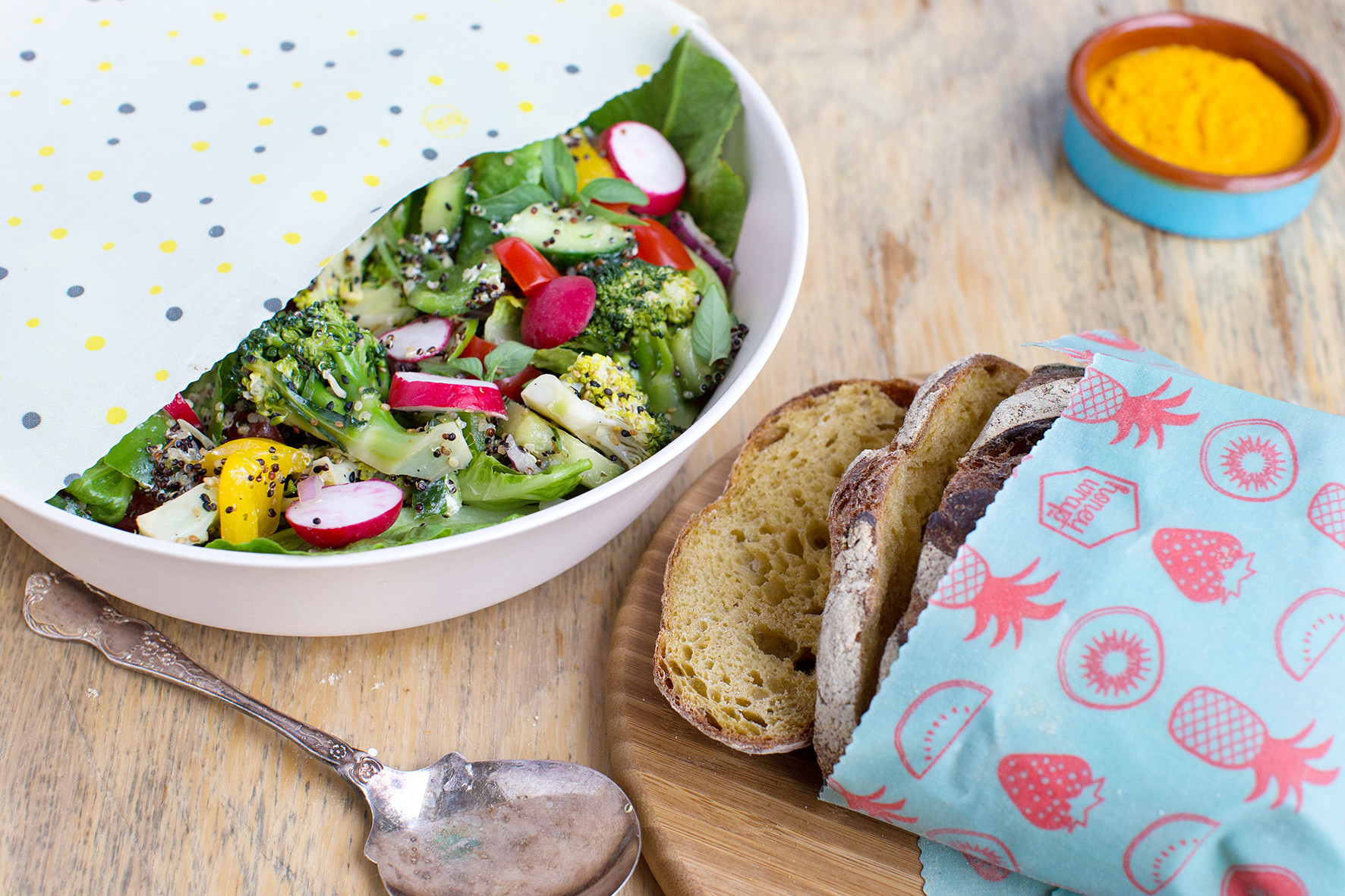 Honeywrap salad bowl
