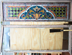 how to assess a damaged stained glass window for repair