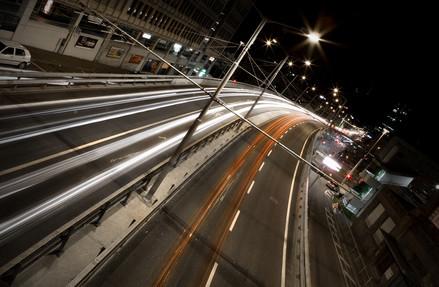 Hardbrücke Zürich nachts