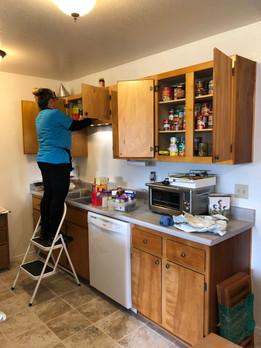UNPACKING_Kitchen_VistaApt_Tammie.JPG