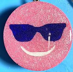 Pink%20Face%20Bleu%20Sunglasses%20Front_