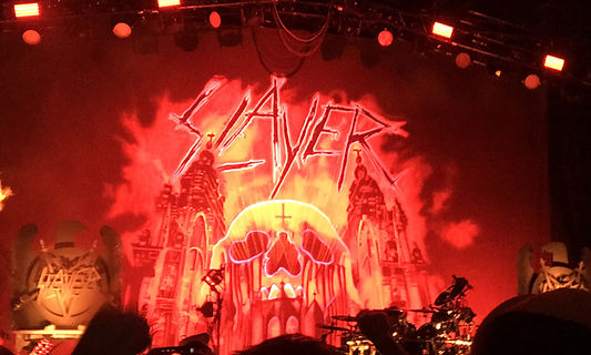 Red skull Slayer backdrop