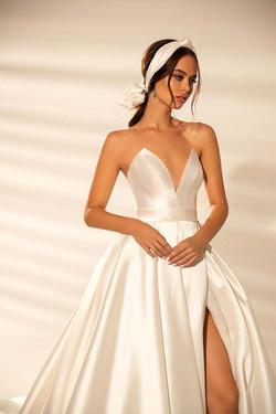 WONÁ Concept Wedding Dress