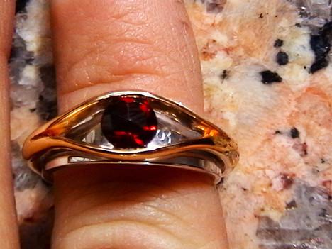 eye ring2.jpg