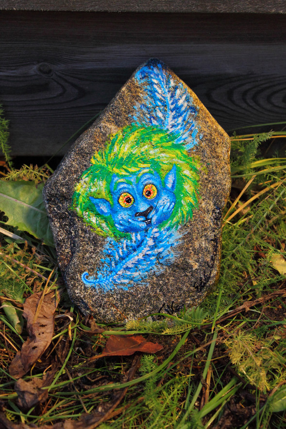 stone VannTroll feather.jpg