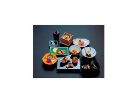 お知らせ一覧へ「京料理萬重」×庵町家ステイ 仕出し夕食プランのご紹介