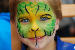 green-yellow-scales-snake-facepainting-fancy-faces-boy-textured.JPG
