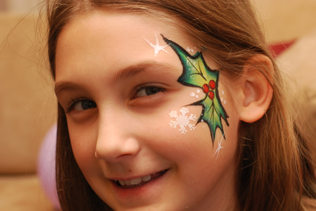 mistletoe face paint.jpg