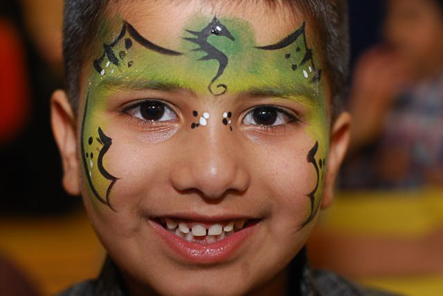 green-dragon-dots-face-paint-facepainting-calgary-fancy-faces-boy-indian-wings-m