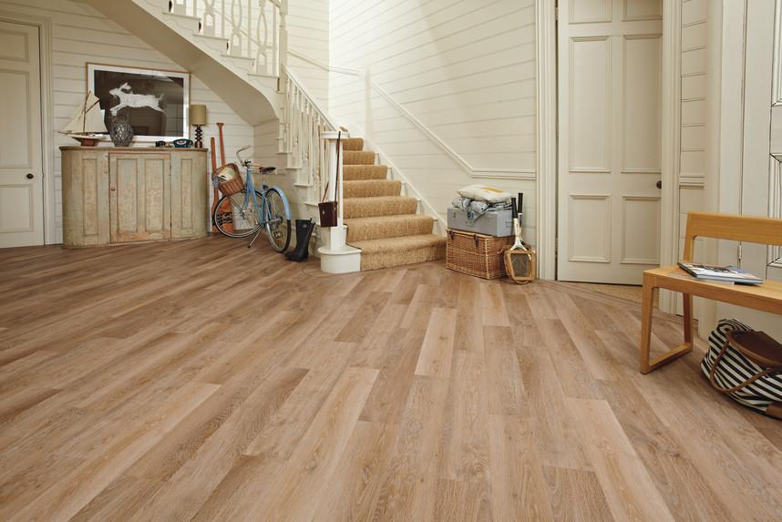 KP94 Pale Limed Oak Hallway