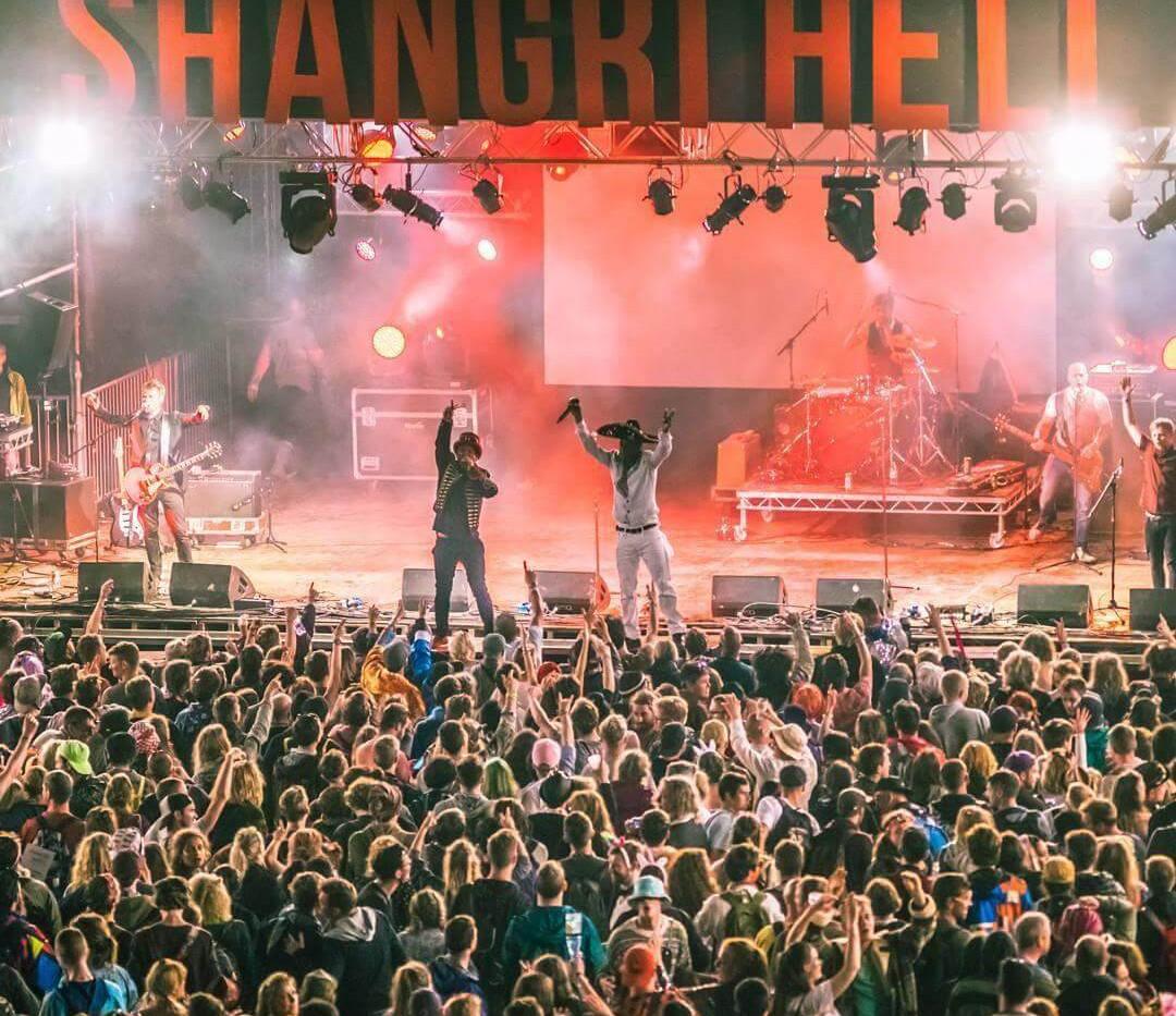 Seanie T on stage @ Glastonbury