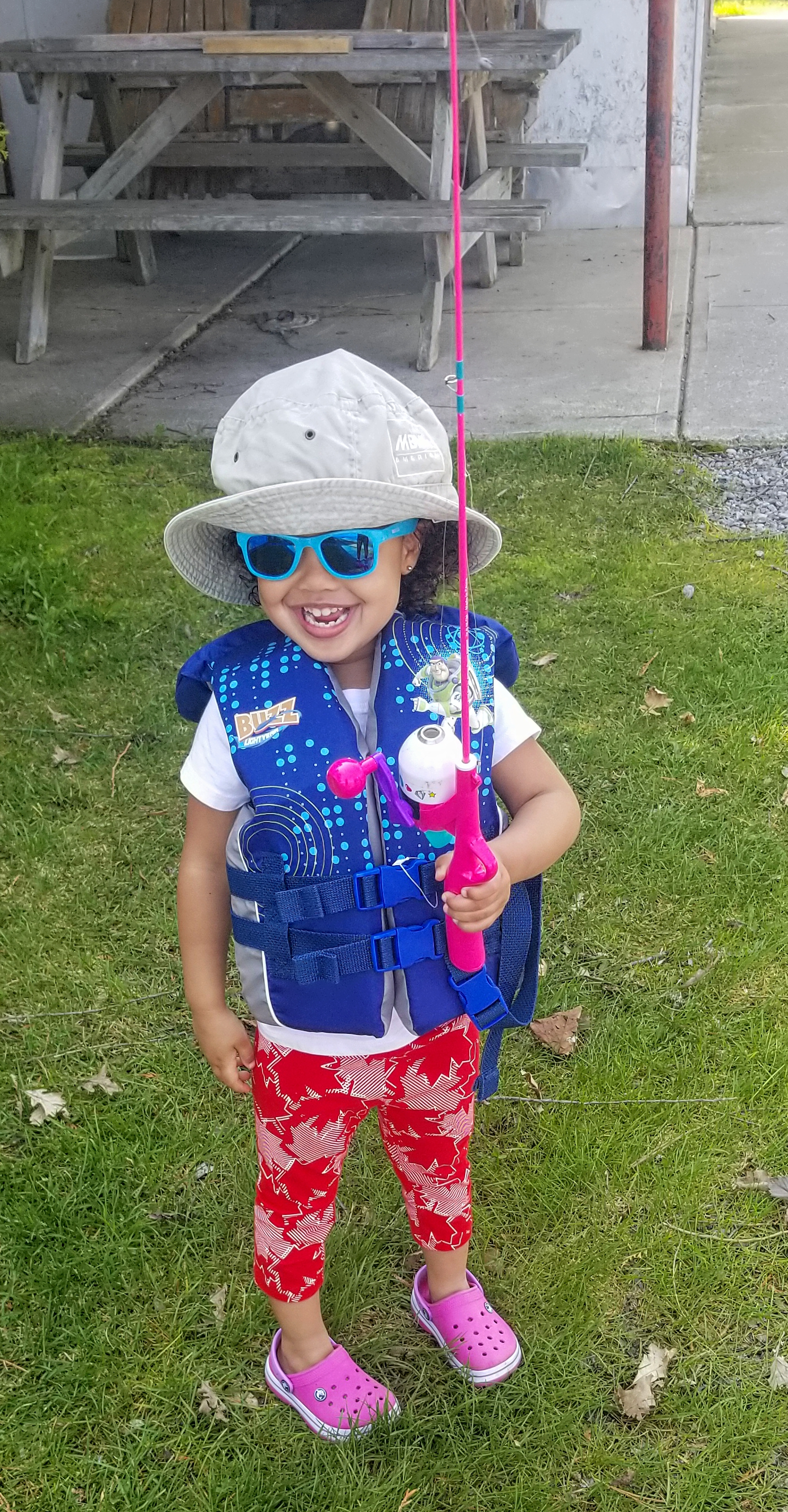 evie fishing_pe