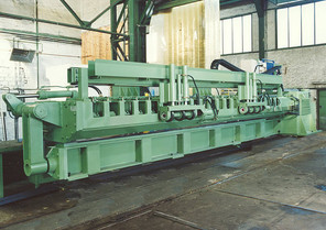 DEUMA Longitudinal Seam Welding Machines for longitudinal seam welding of steel plates and tanks of up to 9 m in length