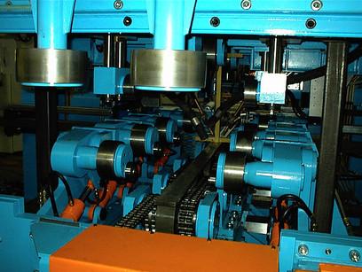 Straightening unit in a heavy beam welder