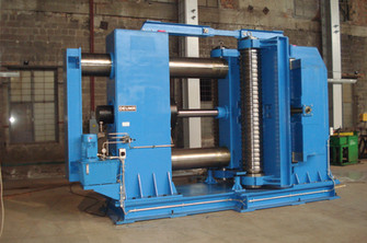 Panel bending machine for panels of up to 2000 mm in width