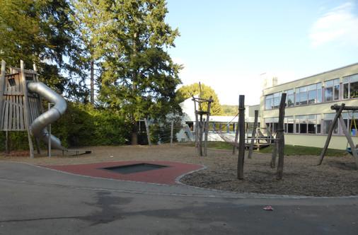 191013 2 St. Bernhardt Schule Pausenhof