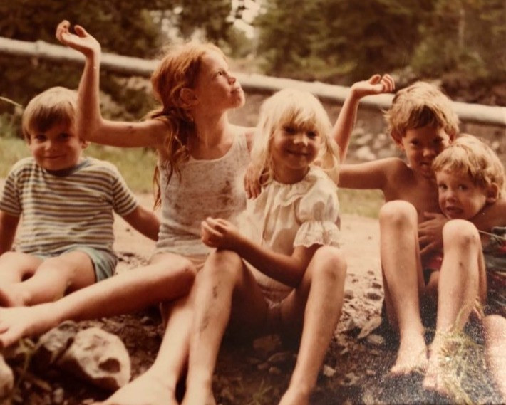 Marianne with her brothers and cousins