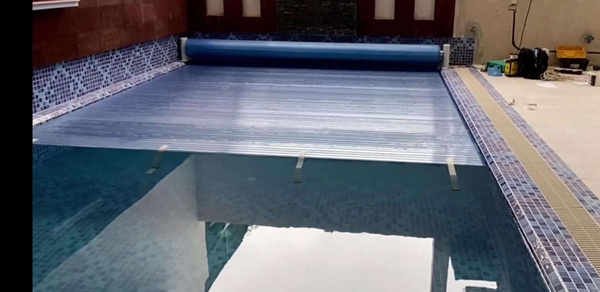الشرائح البلاستيكية غطاء المسبح التلقائي