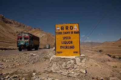 road_sign.jpg