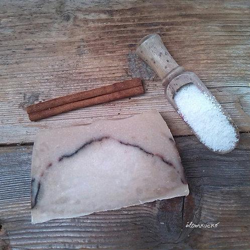 Kókuszos - fahéjas szappan kókusztejjel