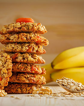 oatmeal-cookies-with-nuts-apricots-spoon