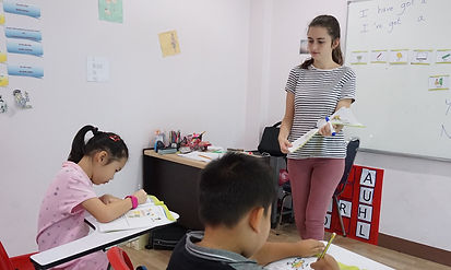 Isobel teaching WS-TT_02.jpg