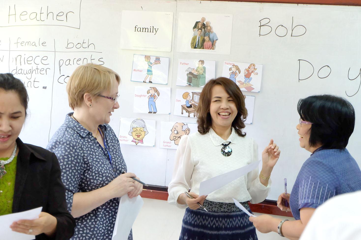 เรียนอังกฤษที่โรงเรียนบ้านภาษาพัฒน์