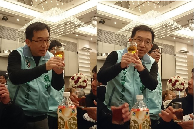 A political candidate at a wedding during election season in Taiwan by Like It Formosa - Taipei Free Walking Tour