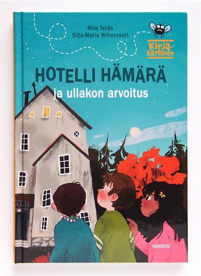 Hotelli-Hämärä-ja-ullakon-arvoitus-kansi