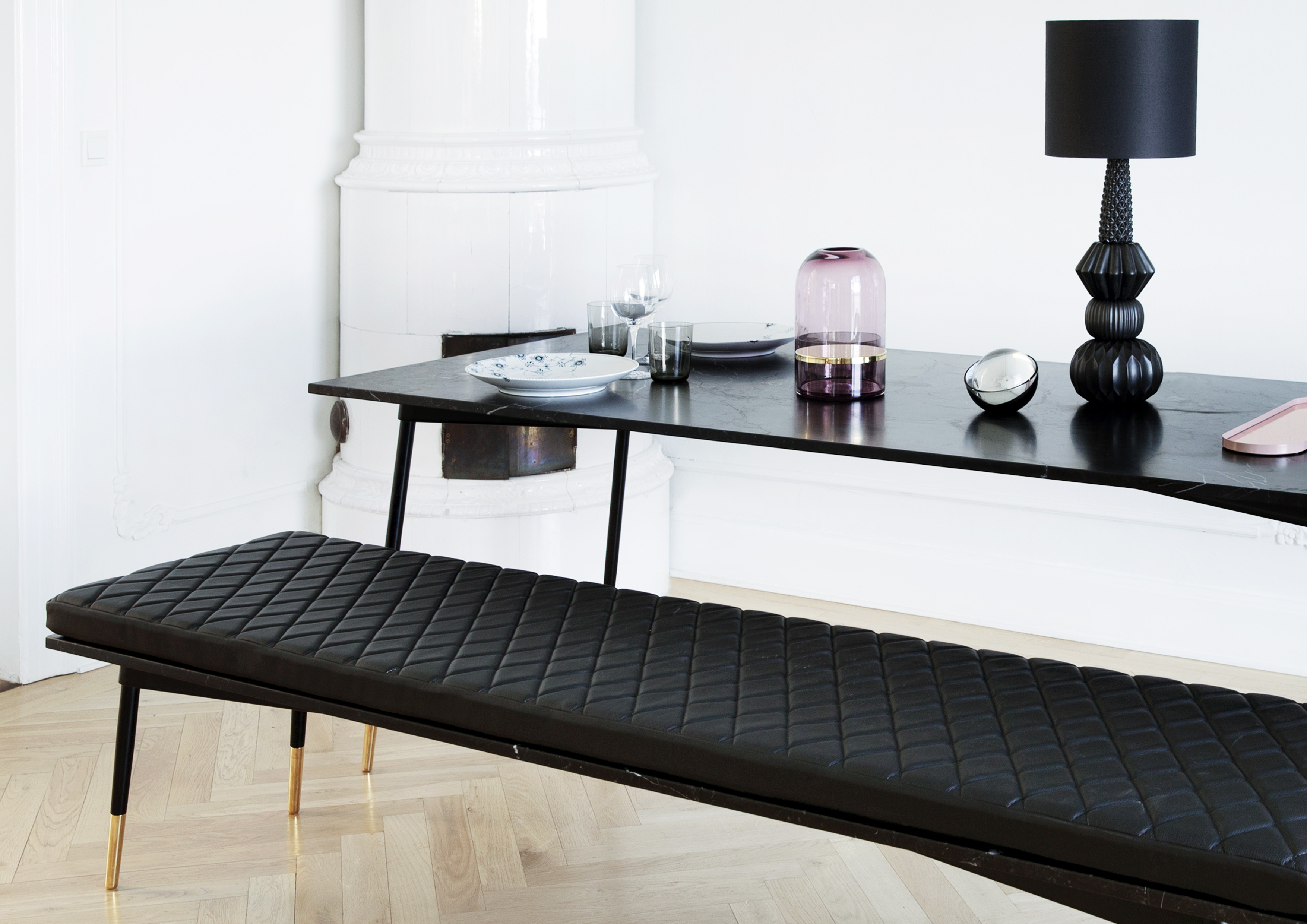 MIDNIGHT BLACK LEATHER BENCH