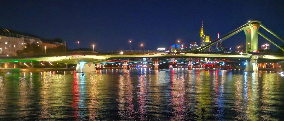 Frankfurt-Skylin-night.jpg