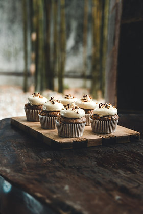Cupcakes - Mix of 2 Flavours