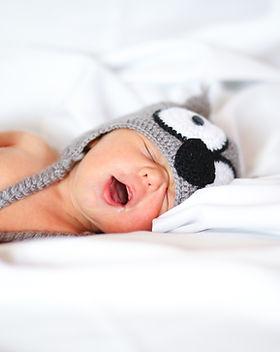 Coliques bébé ostéopathe saint etienne peaugres constipation crane regugitation