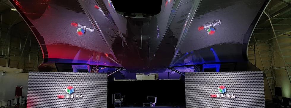 Dual Screen Concorde