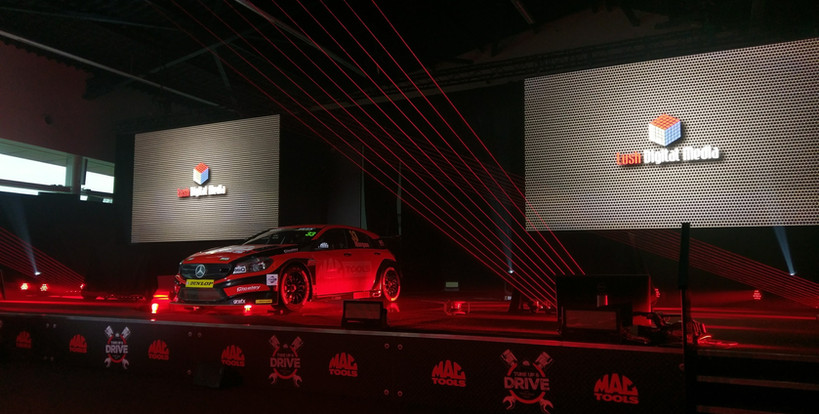 Dual Screen Touring Cars