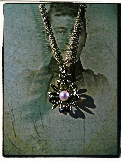 Vintage Gold & Pearl Necklace