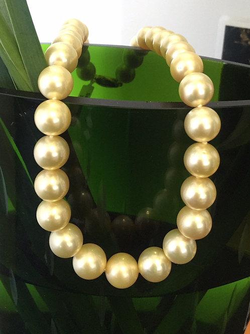 Australian South Sea Pearl  Strand Golden tones