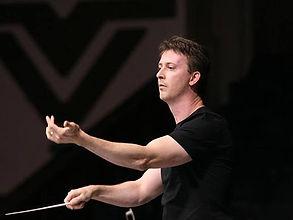 Todd conducting.jpg