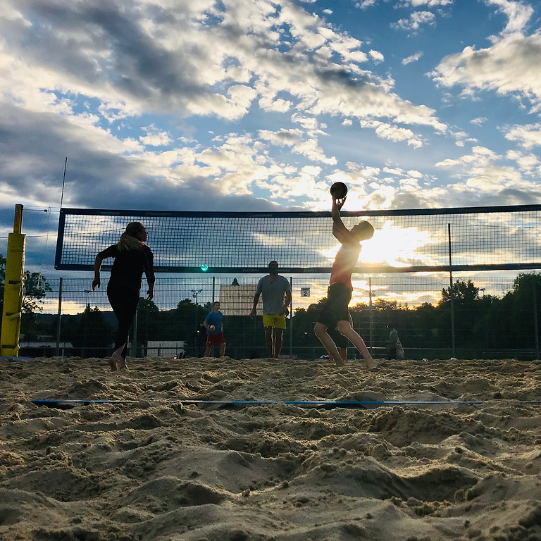 Mixed Beachvolleyball Sommertraining - Montag