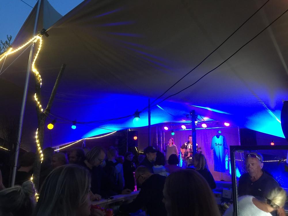 Jonas Aasen underholdt på premierens Nach-Spel