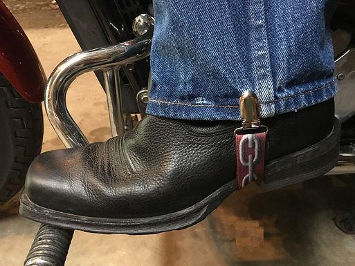 Stirrups / Chain