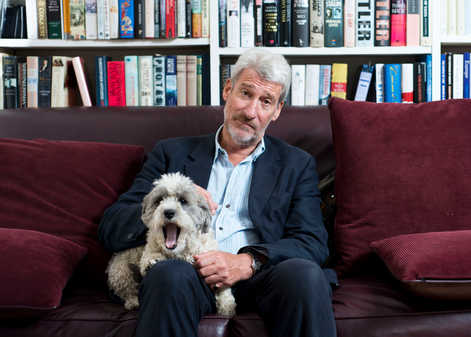 Former Newsnight presenter Jeremy Paxman's holiday beard has become one of the most discussed topics in the news after he decided not to shave it off before appearing on air.