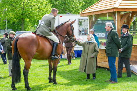 Picture shows The Queen with one of her winning horse at Royal Windsor Flower Show.