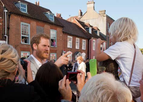 INS_Duke_and_Duchess_of_Sussex_40.JPG