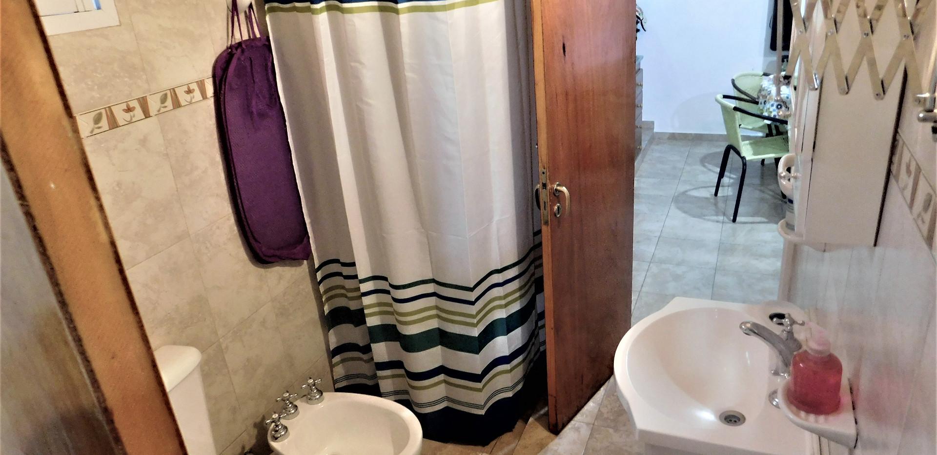 Doble acceso al baño (desde habitación y estar)