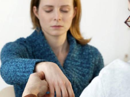 Benefícios da hipnose clínica no tratamento de ansiedade e depressão