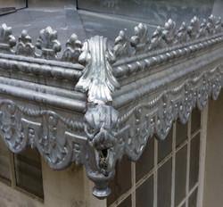 Marquise_bandeaux_décoratifs_et_gargouille_en_Zinc_(_Francheville_)(_(Medium)_edited