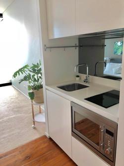 E2403 kitchen